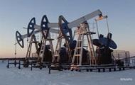 Цена на нефть закрепилась ниже 51 доллара