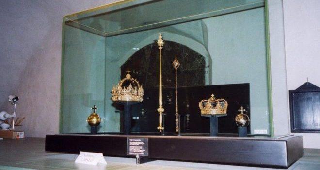 Кража короны короля Швеции: подозреваемому предъявили обвинения