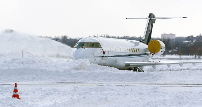 Снег в Киеве. Борисполь работает, но просит пассажиров поглядывать на табло
