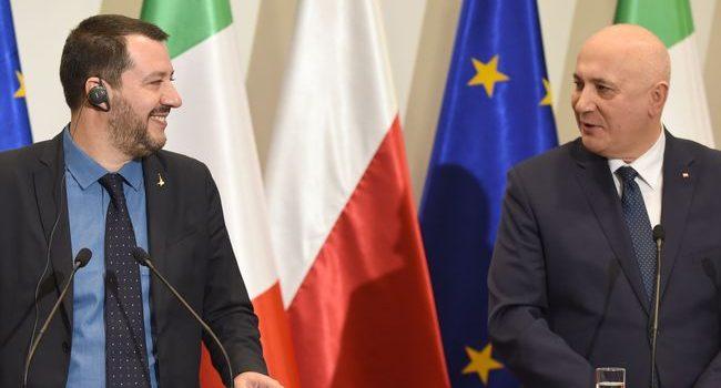 "Европе необходима ""новая весна"" — глава МВД Италии"