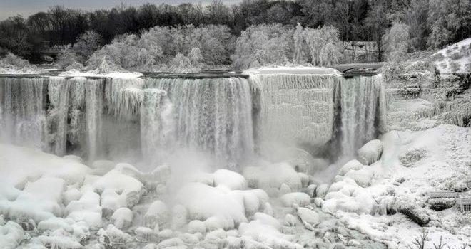 В США –50 по Цельсию: Ниагарский водопад замерз