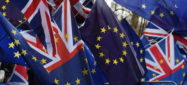 Британский парламент не поддержал сделку о Brexit