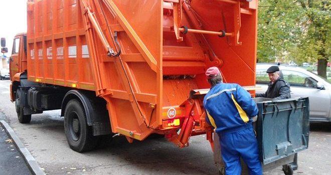 Киевлянам поднимут тарифы на вывоз мусора