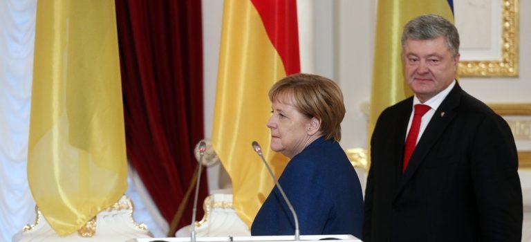 Меркель: Я на стороне Порошенко, но Россия — партнер Евросоюза