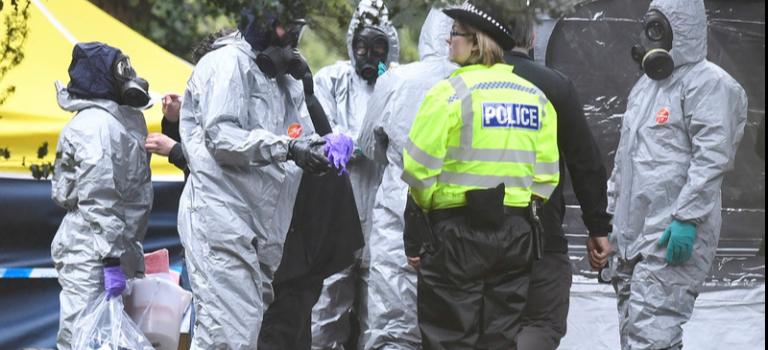 Telegraph: Третий подозреваемый в отравлении Скрипалей после покушения остался в Британии