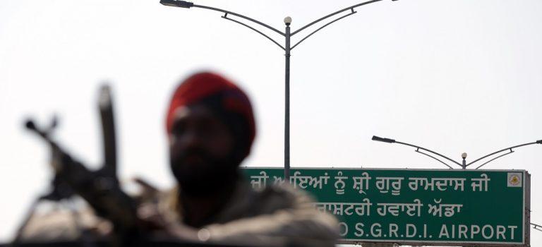 Ядерные державы Индия и Пакистан возобновили бои, есть жертвы: AP