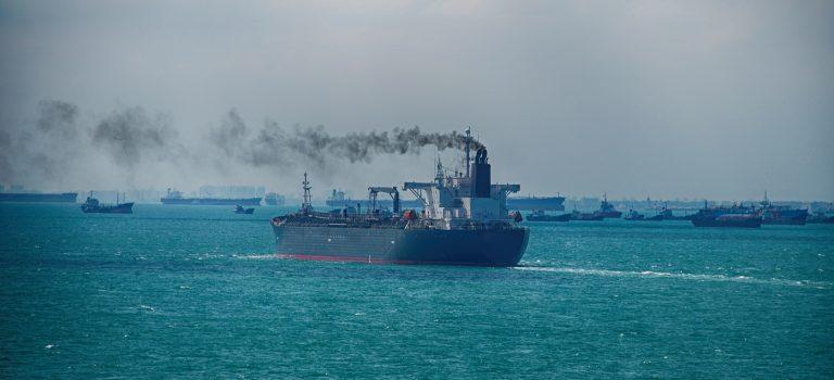 Турция активно штрафует суда за загрязнение моря