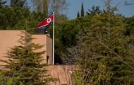 С мачете. Странное нападение на посольство КНДР