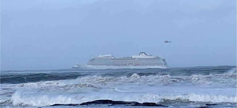 В Норвегии эвакуируют 1300 человек с круизного лайнера