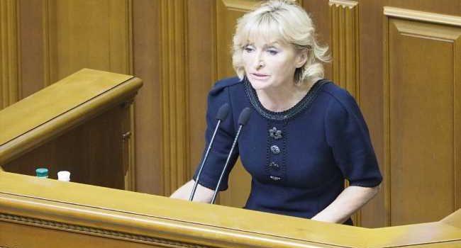 Рада должна сыграть ключевую роль в период смены власти: Луценко