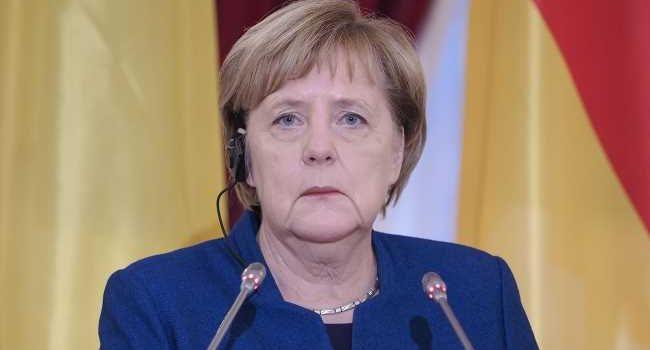 Меркель провела телефонный разговор с Зеленским: о чем говорили