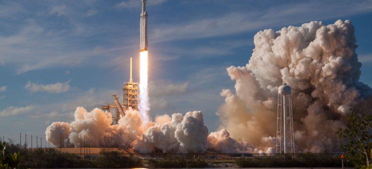 SpaceX вывела на орбиту саудовский спутник