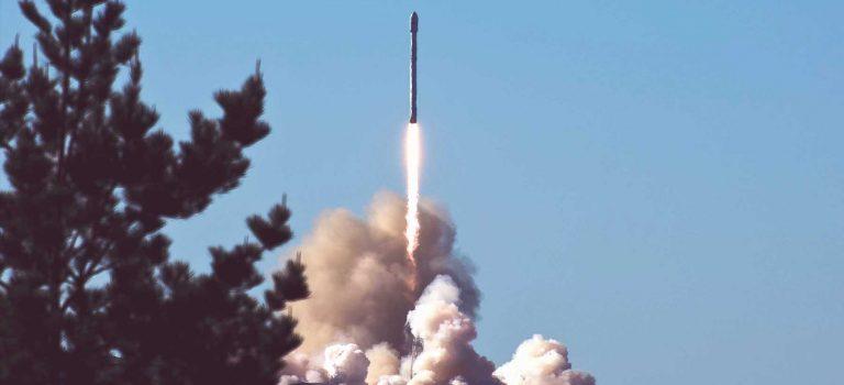 SpaceX потеряла первую ступень ракеты Falcon Heavy в океане