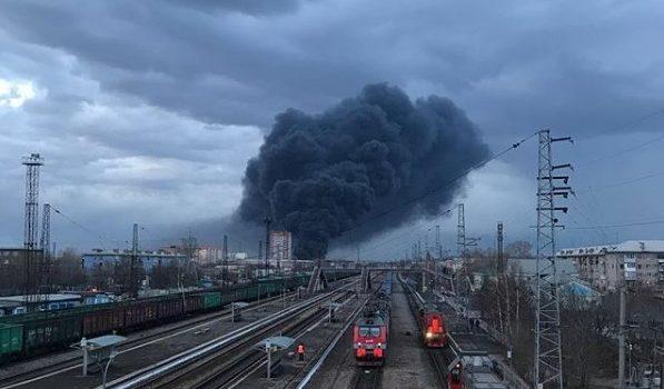 В России горит завод, на котором производятся ракеты: фото, видео