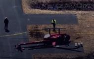 В США вертолет сдуло ветром
