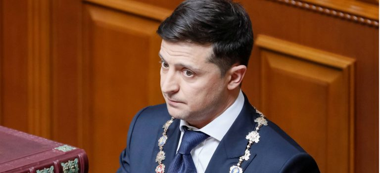 Зеленский работает над реанимированием переговоров поДонбассу— АП