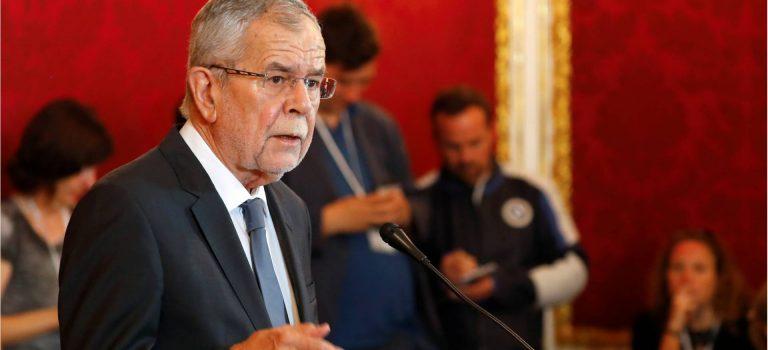 Президент Австрии поддержал досрочные выборы впарламент