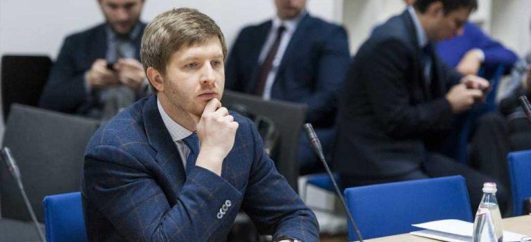 Экс-глава НКРЭКУ год блокирует конкурс на новых членов комиссии