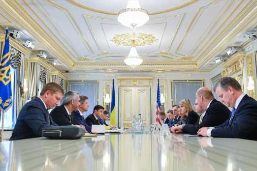 Зеленский призвал США ужесточить санкции против России