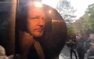 Суд в Лондоне арестовал Ассанжа почти на год