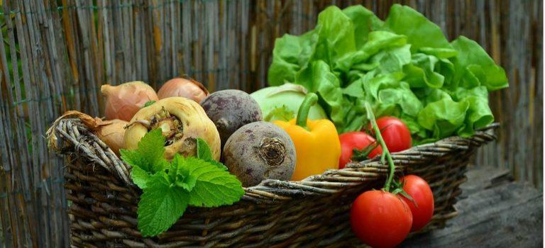 """За год импорт овощей """"борщевого набора"""" в Украину вырос в пять раз"""