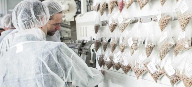Крупнейший украинский производитель кормов для животных будет экспортировать продукцию вчетыре страны Европы