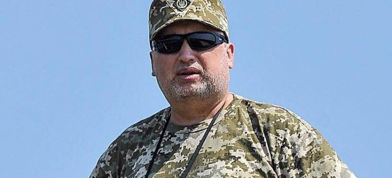 Турчинов отрицает, что продолжает исполнять обязанности секретаря СНБО
