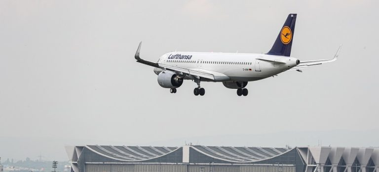 Ряд авиакомпаний прекращают полеты над Персидским заливом
