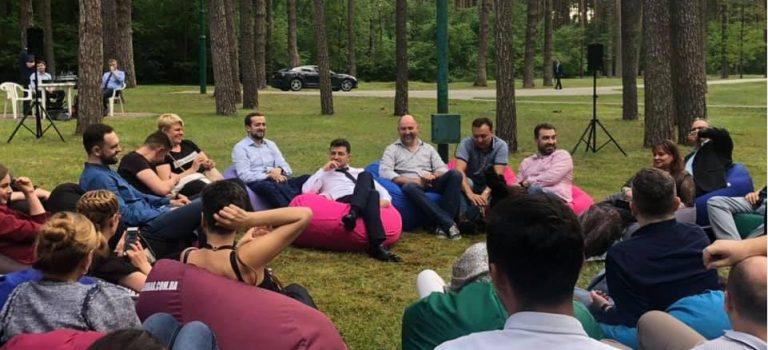 Зеленский провел закрытую встречу спредставителями украинских СМИ