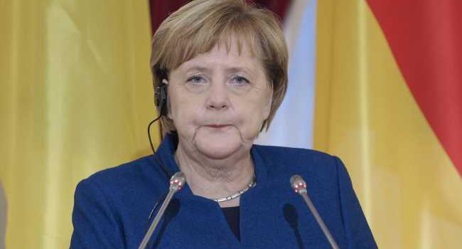 У Ангелы Меркель снова случился приступ дрожи: видео