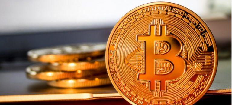 Курс биткоина впервые задве недели падал ниже отметки в $10 тыс.